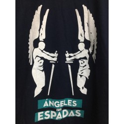 Camiseta Ángeles con espadas